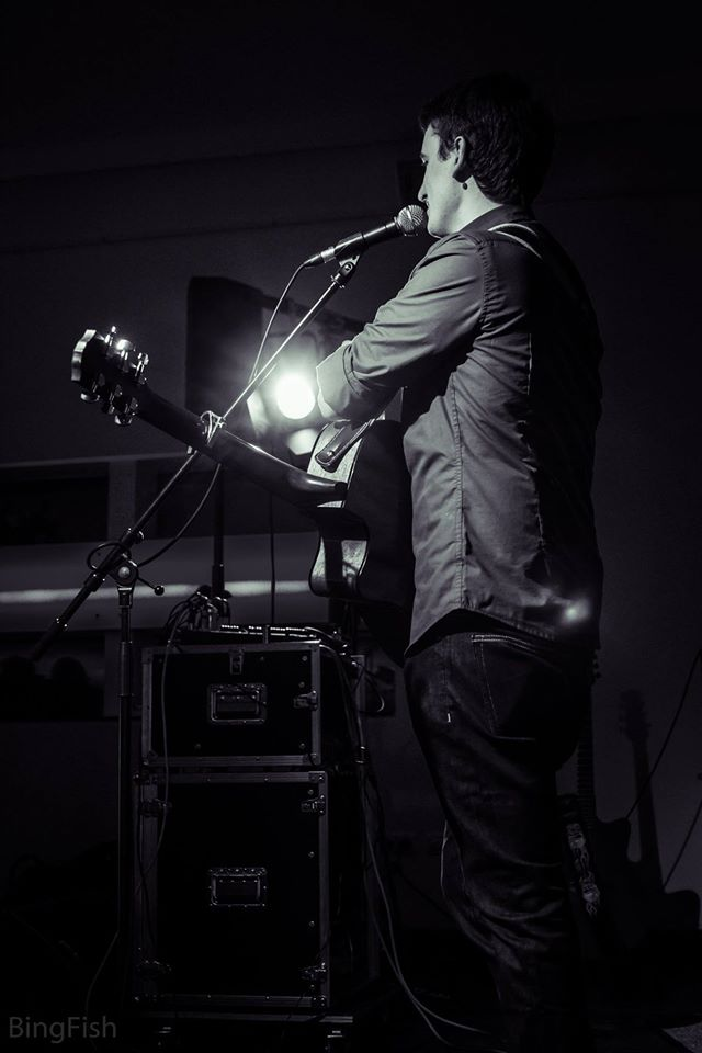 Alex Perez live